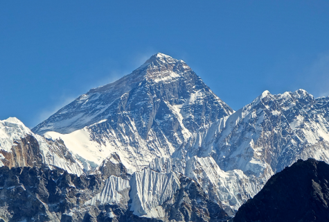 Woman Dies Climbing Mount Everest Trying to Prove 'Vegans Can do Anything'